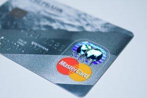 EU: Gebruik creditcard neemt toe door lagere kosten